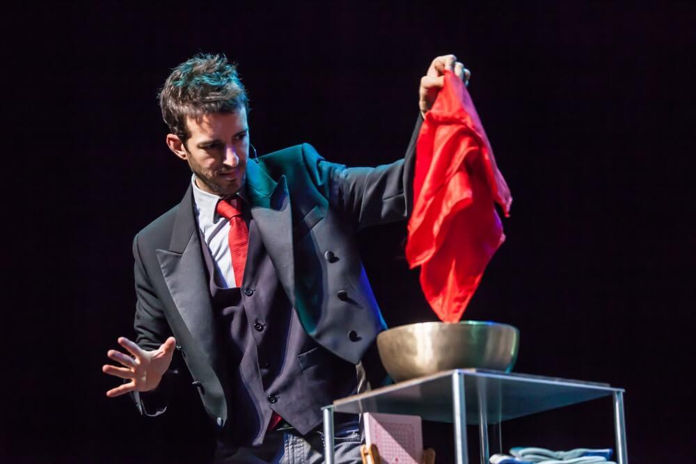Espectáculo de magia para teatro en Vitoria-Gasteiz, Álava