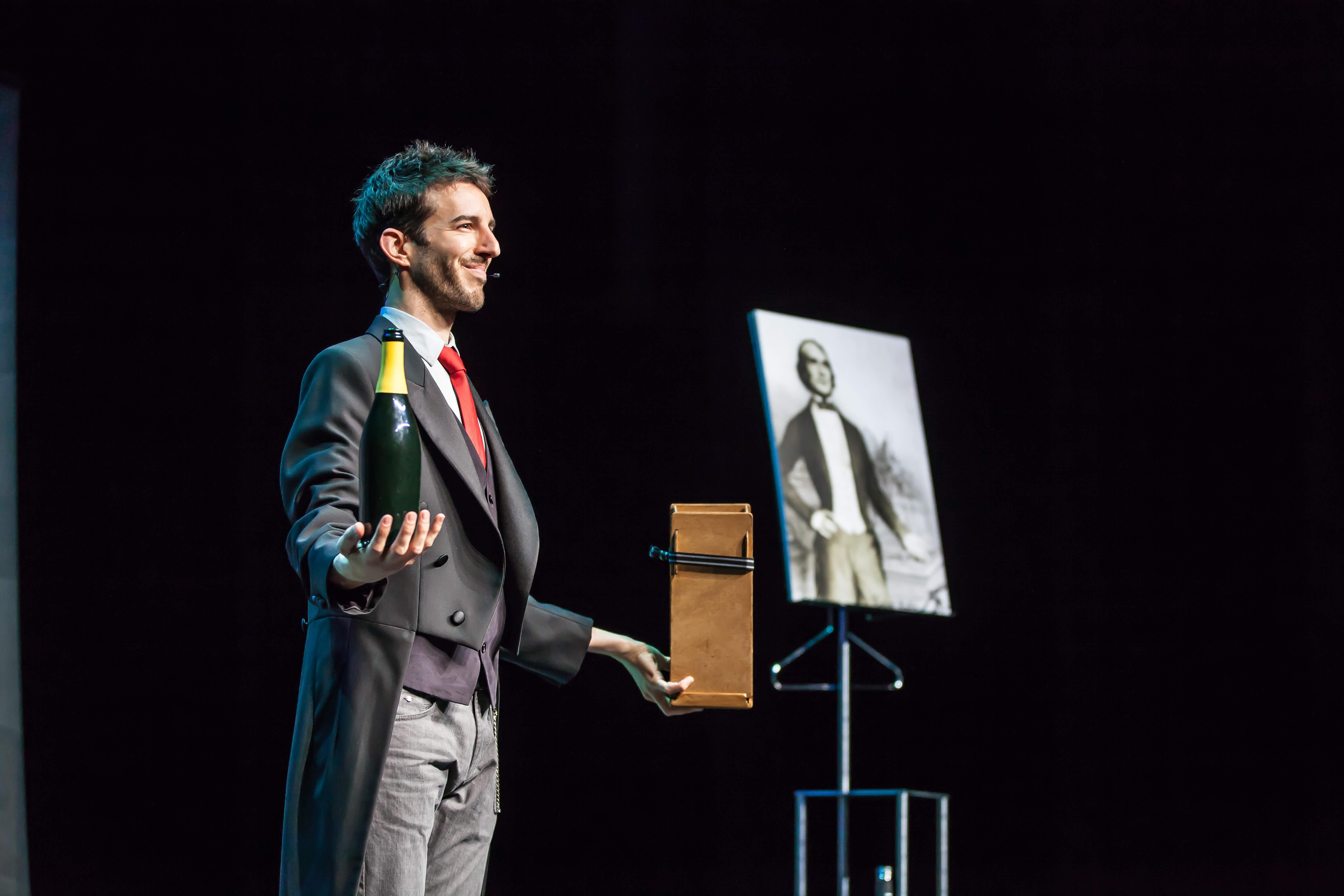Espectáculo de magia para teatros en Burgos